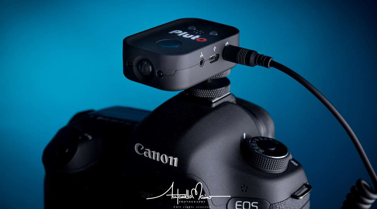 Ein Pluto-Trigger auf einer Canon EOS